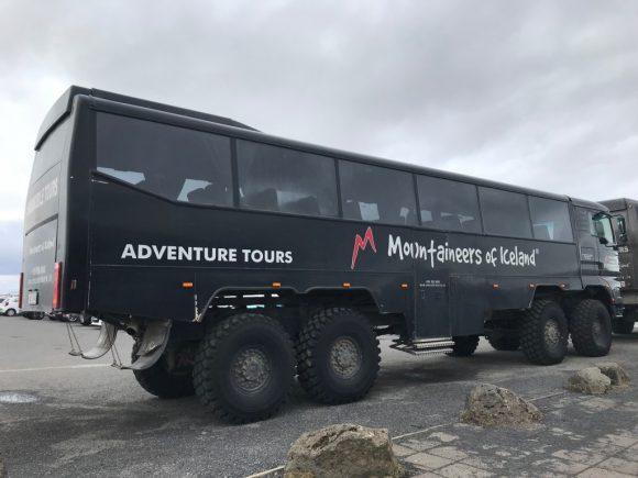 アイスランドのツアーバス